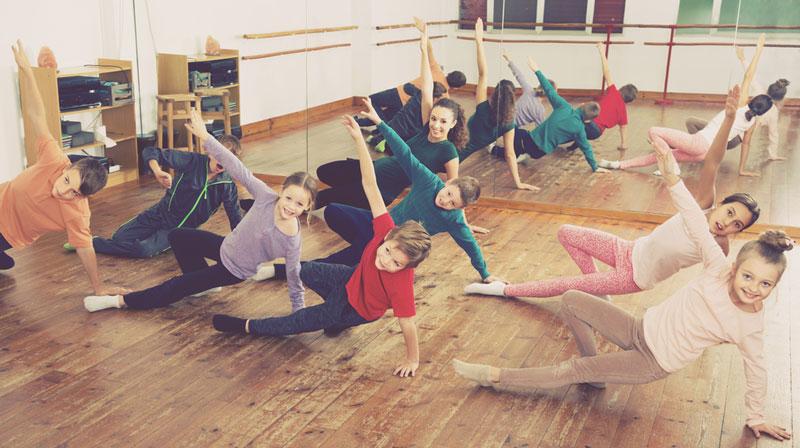 παιδιά μάθημα χορού
