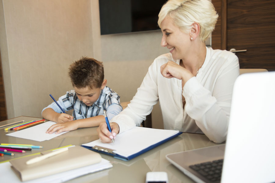 συμπεριφορά μαμά-παιδί-σημειώνουν