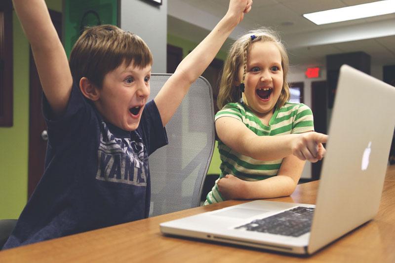 παιδιά παιχνίδι υπολογιστή