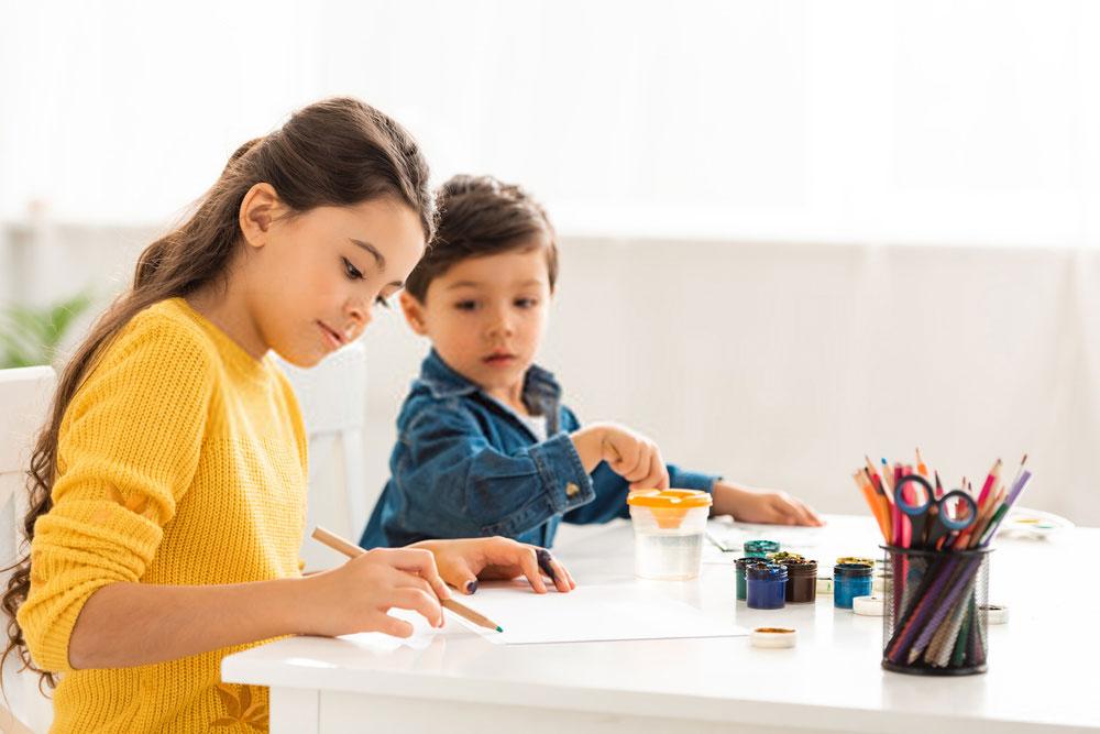 αδέρφια-ταλέντο-ζωγραφική-ρόλους