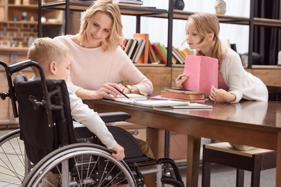 αδερφός-αναπηρία