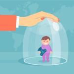 Υπερπροστασία: πώς εκδηλώνεται και πόσο βλάπτει το παιδί