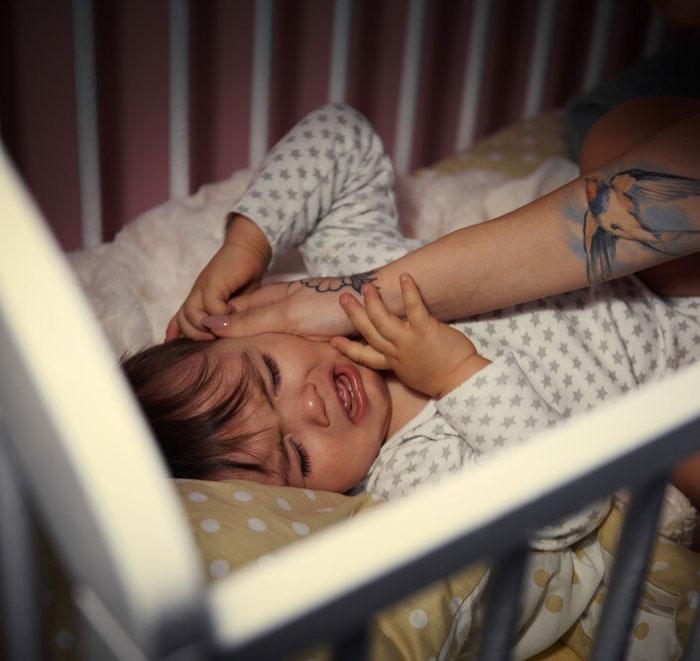 μωρό-κλάμα-φροντίδα