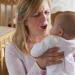 Γιατί το τράνταγμα του μωρού είναι επικίνδυνο